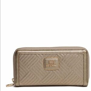 New LOVE Moschino gold wallet with zipper